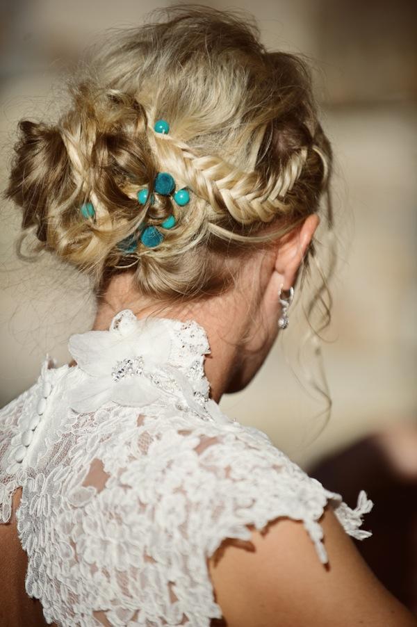 Peinado de novia: trenza con moño bajo
