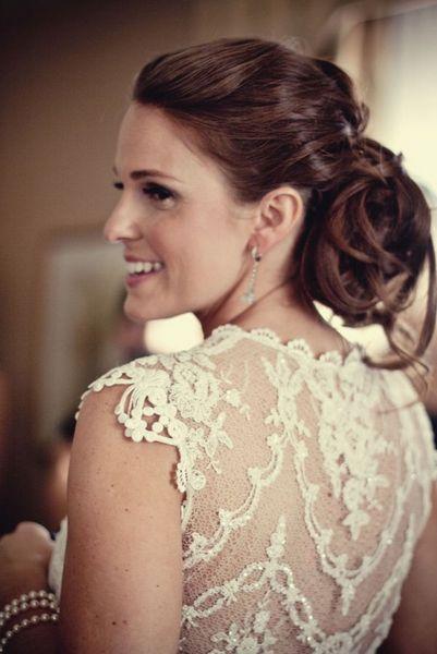 Vestido de novia con toda la espalda bordada