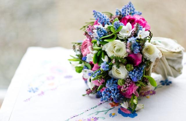 ramo de novia con brezo en diferentes tonos