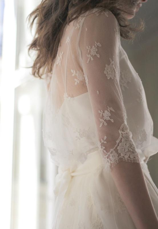 Vestido manga tres cuartos encaje novia