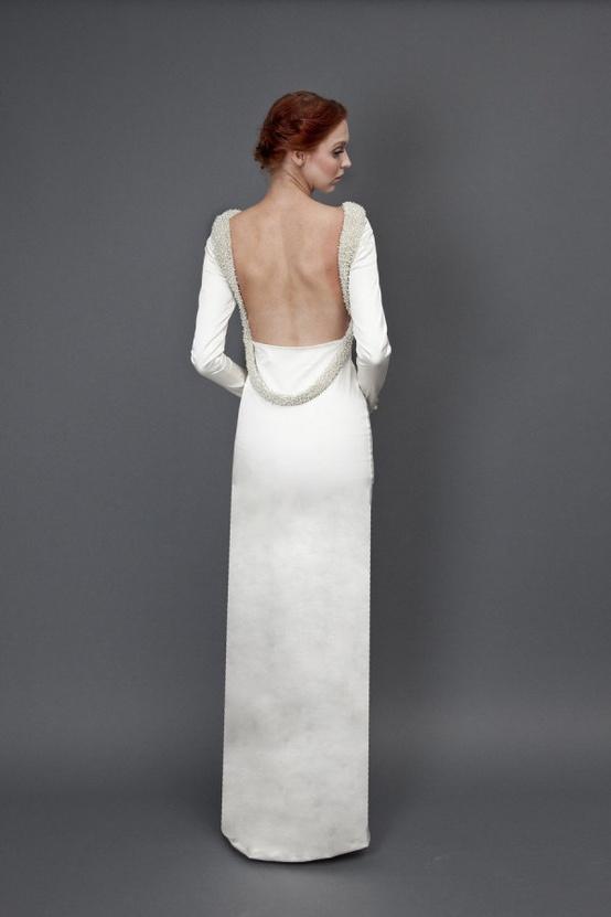 vestido novia manga larga y espalda descubierta