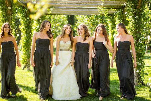 Boda elegante fotos la novia con las damas de honor