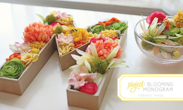 1 iniciales con flores y carton