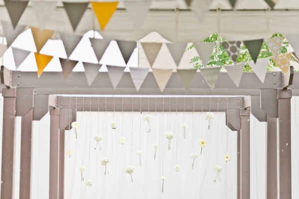 2 decoracion banderola boda moderna en amarillo y gris