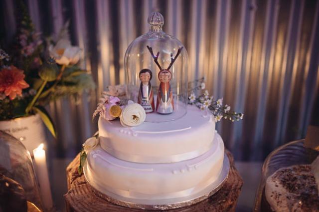15 Boda moderna rustica en un almacen  pastel de boda