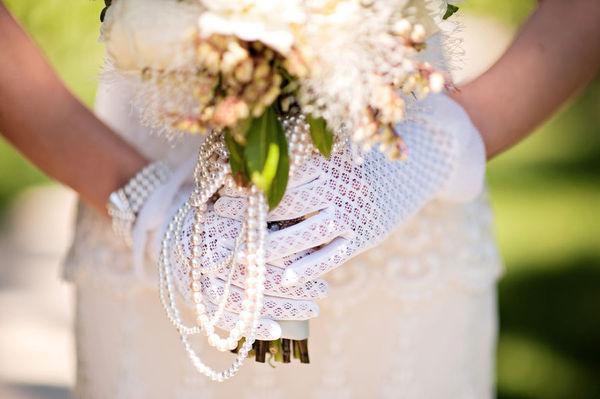 4  novias con guantes boda