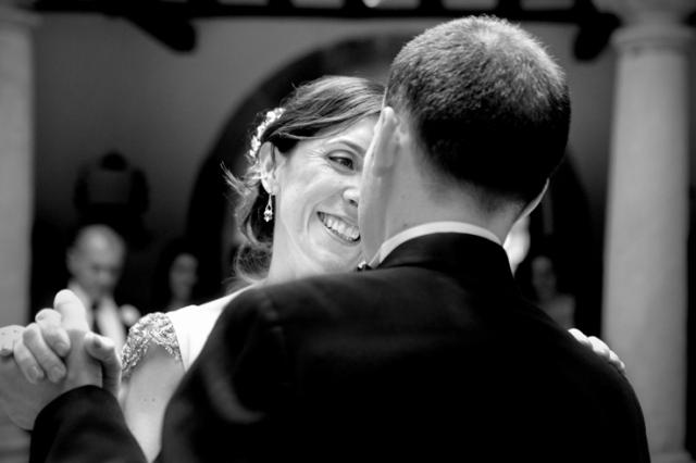Fotografia boda mercedes blanco novia elegante (14)