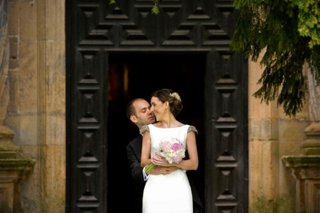 Fotografia boda mercedes blanco novia elegante (9)
