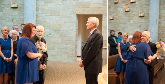 padre con cancer llevando a las hijas al altar boda (7)