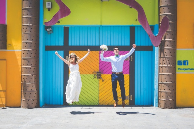 boda costa mar playa novia corona novio pajarita (19)