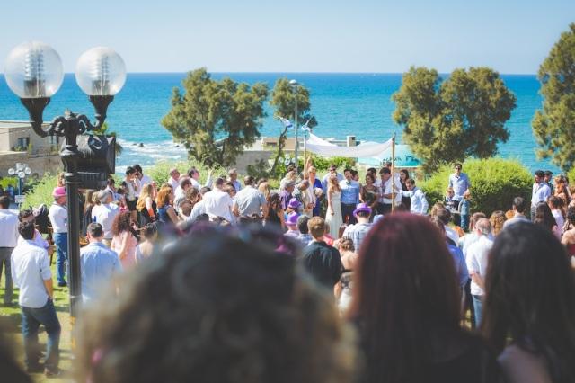 boda costa mar playa novia corona novio pajarita (5)