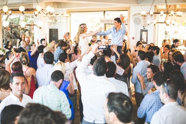 boda costa mar playa novia corona novio pajarita (8)