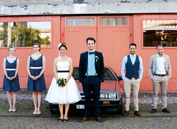 fotos boda analogicas boda azul y blanco novia vestido corto (10)