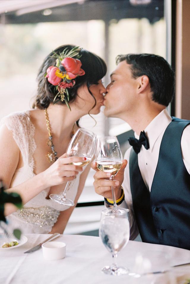 boda en la montaña novia con corona de flores top mountain wedding elopement floral crown