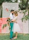 boda romántica bohemia novia vestido corto novio con barba (1)