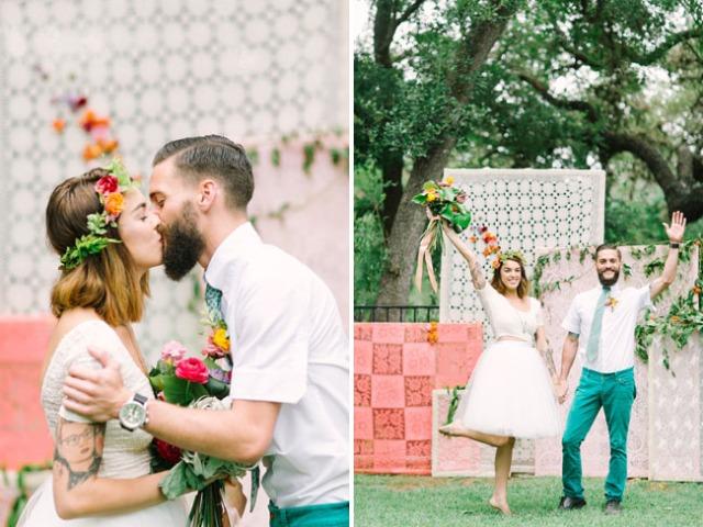 boda romántica bohemia novia vestido corto novio con barba (9)
